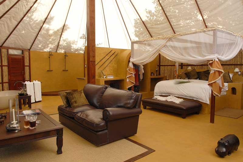 Zambie - Lower Zambezi NP - Sausage Tree Camp - honeymoon suite